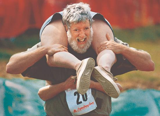 wife-carrying_1387624i